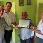 Sindojus homenageia Oficial de Justiça pelo seu centenário