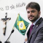 Oficiais de Justiça prestam homenagem ao deputado Guilherme Landim pelo seu aniversário