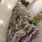 160 cestas básicas doadas por Oficiais de Justiça são entregues a famílias do bairro São Miguel