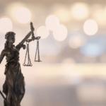 """""""A justiça não pode parar"""", pela Oficiala de Justiça Fabyola Sássia"""